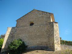 Façade arrière de l'église Saint-Pierre de Mirabeau