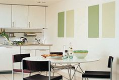 Colour blocking is an easy way to highlight a feature or simply dress up an empty wall. Consider this chic way to paint your walls the next time you want to freshen up your home. Interior Design Living Room, Living Room Decor, Bedroom Decor, Design Bedroom, Decorating On A Budget, Interior Decorating, Interior Paint, Painted Feature Wall, Block Painting