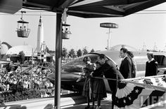 LIFE Magazine pictures shot during Disneyland legendary 1959 event, monorail