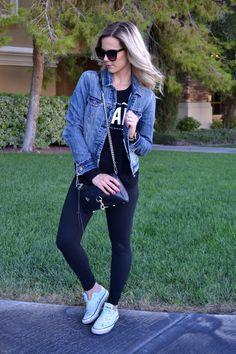 Blogger Style in Denim Jacket, Leggings, and Converse |The Lazy Girl's Guide to Style|
