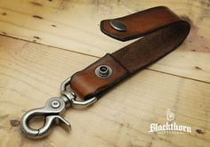 Blackthorn Leather Key Fob / Key Chain / Key Belt Lanyard - Another! Leather Art, Leather Design, Leather Tooling, Leather Jewelry, Handmade Leather Belts, Leather Key Holder, Leather Keychain, Leather Wallet, Diy Leather Projects