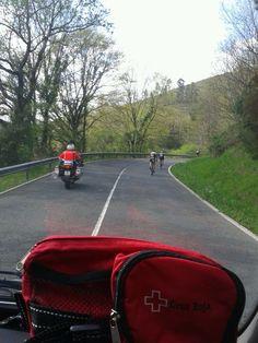 Voluntarias/os de Cruz Roja Encartaciones cubriendo Carreras Ciclistas Féminas en Zalla y Balmaseda