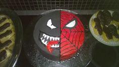 Venom spiderman cake