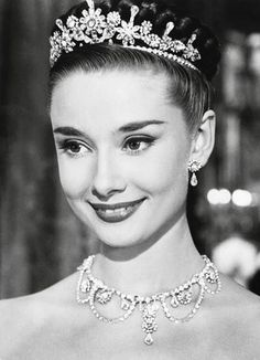 20世紀最高の美女♡オードリー・ヘプバーンの花嫁姿が目を疑う美しさ♡にて紹介している画像