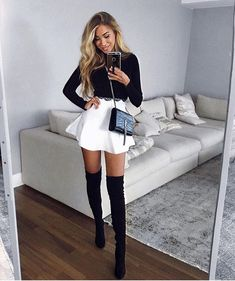 Cute outfit with mini skirt Hot Outfits, Skirt Outfits, Stylish Outfits, Fall Outfits, Fashion Moda, Teen Fashion, Winter Fashion, Fashion Outfits, Womens Fashion