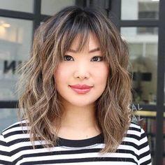 50 modi divertenti ed emozionanti per aggiornare il tuo taglio di capelli  con Bangs ae649df50fee