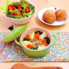 あさりとお野菜たっぷりのシチューで、お昼ごはん。