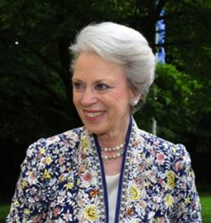 dasThing:  Princess Benedikte of Denmark in floral print