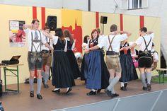 Tanz des Trachtenvereins D`Rabenstoana