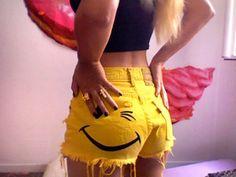 cute winky shorts!