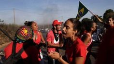 Members of the Landless Workers Movement protest the impeachment of Brazil's President Dilma Rousseff in Brasilia, Brazil, May 10, 2016. | Foto: Reuters