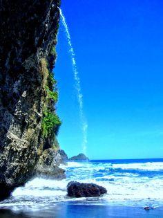 The spectacular waving falls