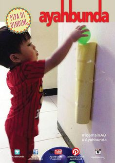 Siapa yang siap bermain bersama Ayah dan Bunda?  Kami berikan #idemainab #pipadidinding. Alat dan bahan yang dibutuhkan: 1. Kertas karton atau karton gulungan bekas tissue gulung. 2. Bola warna. 3. Gunting. 4. Lem/selotip. 5. Keranjang.  Gulung kertas menyerupai pipa seukuran bola yang Anda miliki. Kemudian rekatkan di dinding rumah. Semakin banyak pipa yang Anda buat, semakin panjang jalur yang Anda dan si kecil miliki.  Selamat mencoba!