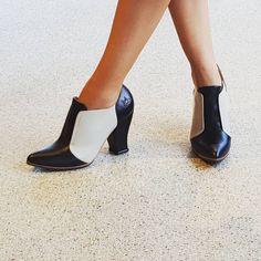 New for fall @fluevog  #vog_danni #fluevog # beyondbasic #colorblock #blackandwhite #shoes #heelsaddict #shoesoftheday #fluevogmpls #meetminneapolis