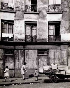 mimbeau:  Hopscotch Paris 1954 Edith Gérin