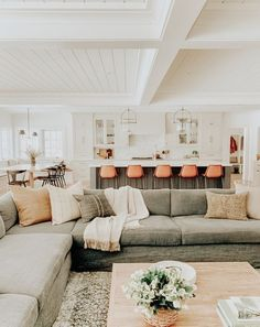 gorgeous home interior. living room home decor ideas. farmhouse home inspiration.