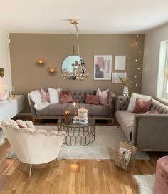 DIY Home Decor - Reupholstering Your Furniture Decor Home Living Room, Glam Living Room, Elegant Living Room, Living Room Designs, Modern Living, Living Room Inspiration, Home Decor Inspiration, First Apartment Decorating, Cheap Home Decor