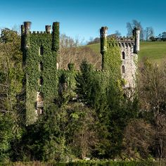 Abandoned in Asurias, Spain. Abandoned Castles, Abandoned Mansions, Abandoned Places, Castle Ruins, Medieval Castle, Places In Europe, Places To Visit, Wonderful Places, Beautiful Places