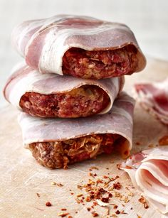 Smoky pancetta beef burgers - you'll never eat another burger again after one of these bad boys Vegetarian Grilling, Healthy Grilling Recipes, Barbecue Recipes, Burger Recipes, Beef Recipes, Cooking Recipes, Barbecue Sauce, Buffet, Hearty Beef Stew