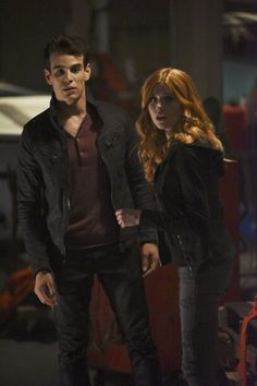 Katherine McNamara and Alberto Rosende in Shadowhunters: The Mortal Instruments Clace Shadowhunters, Shadowhunters The Mortal Instruments, Malec, Simon And Clary, Clary And Jace, Clary Fray, Alberto Rosende, Season 2 Episode 1, Simon Lewis