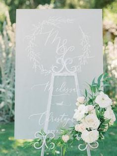 This Is the Sweetest Idea to Commemorate Loved Ones Who Have Passed on at Your Wedding in 2020 Wedding Welcome Signs, Wedding Signs, Wedding Ideas, Elegant Wedding Invitations, Wedding Stationery, Wedding Planner, Vintage Wedding Theme, Rustic Wedding, Wedding Ceremony Decorations