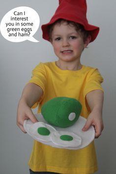 Sam, green eggs & ham DIY costume idea Dr Seuss Diy Costumes, Book Costumes, World Book Day Costumes, Book Character Costumes, Book Week Costume, Easy Costumes, Kids Costumes Boys, Costume Ideas, Dr Suess Books