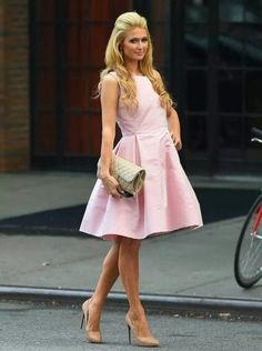 0783f47166 24-Elegance-Exemplified Paris Hilton Outfits-25 Best Dressing Styles of  Paris Hilton
