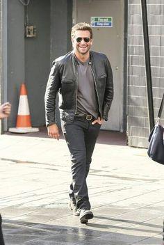 Bradley Cooper - On the set of 'Adam Jones' in London - August 2014 Brad Cooper, Adam Jones, Celebrity Crush, Candid, Hot Guys, Bomber Jacket, Style Inspiration, Mens Fashion, Stars