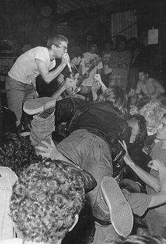 Milo Auckerman from Descendants - plant geneticist, punk rocker, geektastic. Crowd surfing at a punk show. Awww my youth. New Wave, Punk Rock, Hardcore Music, Punks Not Dead, Social Distortion, Music Photo, Post Punk, Looks Cool, Reggae