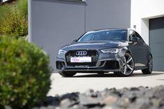 Eine mit Ecken und Kanten: Die Audi RS 3 Limousine auf neuen Federn  https://www.autotuning.de/eine-mit-ecken-und-kanten-die-audi-rs-3-limousine-auf-neuen-federn/ #Allrad, #AudiRS3, #AudiRS3KW, #AudiRS3Limousine, #AudiTuning, #AudiTuningNews, #Gewindefahrwerk, #KWAutomotive, #KWGewindefahrwerk, #KWSuspensions, #Quattro, #RS3, #Stufenhecklimousine