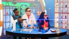 Generation Genius videos are long and include lesson plans, teacher guides, DIY activities and stopping points for class discussion. Science Videos For Kids, Lessons For Kids, Science Lessons, Teaching Science, Science Education, Science Websites, Science Curriculum, Mad Science, Kindergarten Science