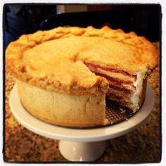How beautiful is this pizza gain (Italian Easter meat pie) - Pizza Gain, Easter Deserts, Soup Appetizers, Yummy Food, Tasty, Cooking Recipes, What's Cooking, Easter Brunch, Easter Recipes