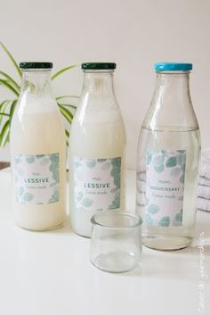 - Bottle Crafts - Lessive et adoucissant maison DIY: Doing her laundry and her home softener. Pot Mason Diy, Mason Jar Crafts, Mason Jars, Diy Hanging Shelves, Floating Shelves Diy, Diy Shelving, Galaxy Bath Bombs, Limpieza Natural, Thrift Store Crafts