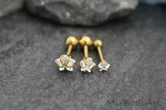 Golden Crystal Star Stud Conch Earring, Tragus Piercing, Cartilage Piercing, Helix Earring, Rook Jewelry, Rook Barbell. Helix Stud, Tragus Earring Surgical Steel, – MyBodiArt
