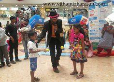#Event #Emcee #Thamizharasan Karunakaran conducting #games at #Ampaskywalk #Chennai for #Maruti #Ciaz www.vjthamizharasan.com  #MC #Stage #Emcee #PartyEmcee #Host
