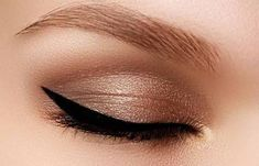 Easy and Life-changing Makeup Tips Every Girl Should Know - Wewer Fashion Best Makeup Tips, Best Makeup Products, Morphe, Makeup Hacks Every Girl Should Know, Eyeliner, Fox Eyes, Wedding Makeup For Brown Eyes, Simple Eye Makeup, How To Apply Makeup