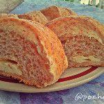 Pan integral relleno de queso palmita, feliz tarde