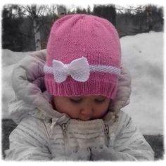 Rusettipipo ohje Koko: Taaperolle, n. 2-3 vuotiaalle Lanka: Novita Ipana Langan menekki: n. 40 g Sukkapuikot nro 3,5 Joustinneu... Baby Knitting Patterns, Free Knitting, Knit Crochet, Crochet Hats, Crafts To Do, Fun Projects, Handicraft, Knitted Hats, Winter Hats