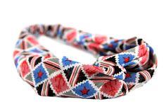 Joli bandeau cheveux très chic géométrique en couleurs ettrès élégant ! Il n'y en a qu'un seul