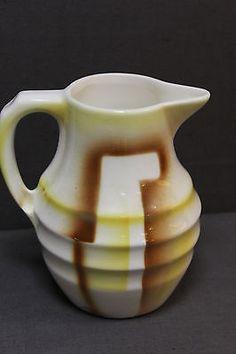 alter Keramikkrug braun-gelb Kakaokrug Krug Art Deco Spritzdekor