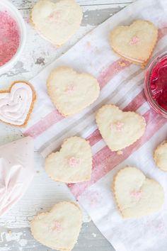 ❥ Raspberry Shortbread Heart Cookies