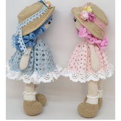 Petite poupée de 20 cm, crochetée en coton mercerisé ou coton a napperon