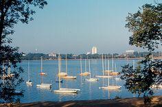 Minneapolis - Lake Calhoun by roger4336, via Flickr