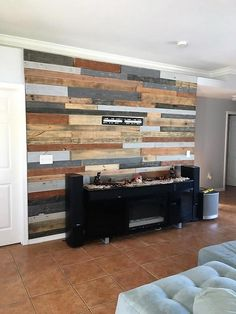 Creative Wood Pallet Recycling Ideas: There are many wood pallet ideas and some of them are presented below, all of the innovative products are created using Wooden Pallet Crafts, Wood Pallet Recycling, Diy Pallet Wall, Pallet Walls, Pallet Patio, Wood Pallet Furniture, Pallet Projects, Pallet Ideas, Old Pallets
