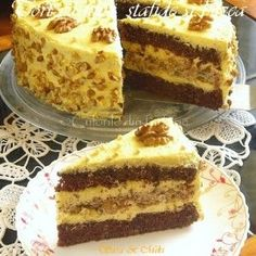 Cotlete de porc in sos aromat cu rozmarinCulorile din Farfurie No Cook Desserts, Sweets Recipes, Delicious Desserts, Cake Recipes, Best Cake Flavours, Cake Flavors, Romania Food, Romanian Desserts, Different Cakes