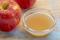 リンゴ酢の効果 リンゴ酢は食生活を補うには最適なのですが、何度も続けて飲んではいけません。 上でも述べた通り、リンゴ酢は体重の増加を抑えるためには理想的なものです。 リンゴ酢には食欲を抑えるはたらきがあります。毎食前に大さじ2~3杯を飲むと、食欲が収まり、過食したくなる衝動も減っていることに気が付くでしょう。 リンゴ酢はスキンケアにもぴったりです。お肌をしっとりさせたり、弾力を取り戻したりすることができるでしょう。
