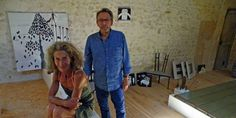 Catherine Mathieu et Stéphane Crémer, lors de l'installation de l'exposition estivale 2015.