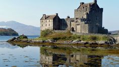 Viagens à Escócia. Informação sobre fronteiras, passaportes e vistos, língua, cuidados de saúde, segurança, dinheiro e custos, corrente eléctrica, etc.