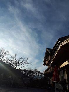 Clouds, Outdoor, Sunlight, Outdoors, Outdoor Games, Outdoor Life, Cloud