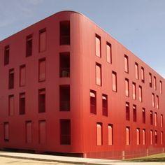 Edificio Flex Rojo / Cerejeira Fontes Arquitectos. Braga, Portugal Rouge à l honneur